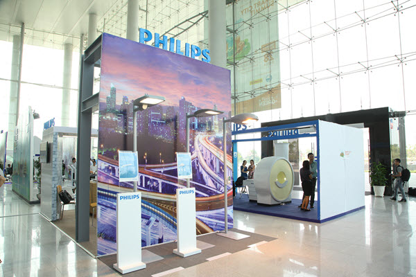 Philips display booth showcasing intelligent lighting solutions at the Smart City Summit from 26 to 28 March, 2016 in Binh Duong, Vietnam.